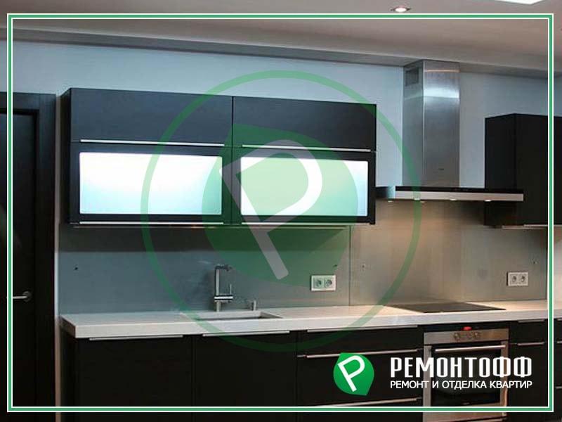 Ремонт кухни фото в Екатеринбурге с перепланировкой, отделкой стен, пола, потолка под ключ, установка натяжного потолка фото в кухне фото.